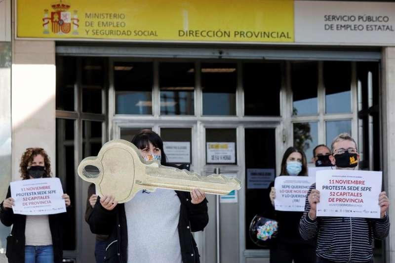 La hostelería y el ocio nocturno de la Comunitat Valenciana han reclamado extender la vigencia de los ERTE por fuerza mayor hasta el fin del estado de alarma. EFE/Ana Escobar
