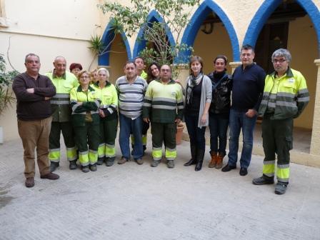 La plantilla de trabajadores dedicados a la limpieza viaria se incrementará en cinco personas que saldrán, de forma rotatoria, de las listas de desempleados de Benetússer. Foto: EPDA.