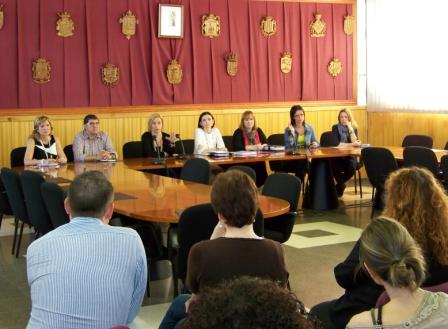 Responsables técnicos y políticos de Bienestar Social de los quince municipios de la Mancomunitat de Camp de Túria. FOTO: EPDA