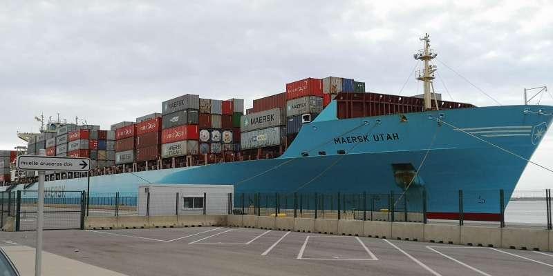 Carguero Maersk Utah en el Puerto de València.