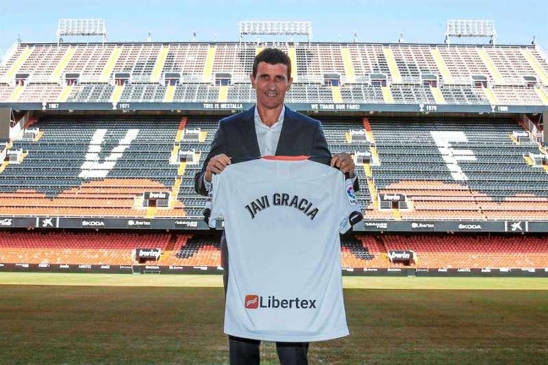 El Valencia hizo oficial este lunes la llegada del técnico Javi Gracia a su banquillo con un contrato hasta el 30 de junio de 2022. EFE