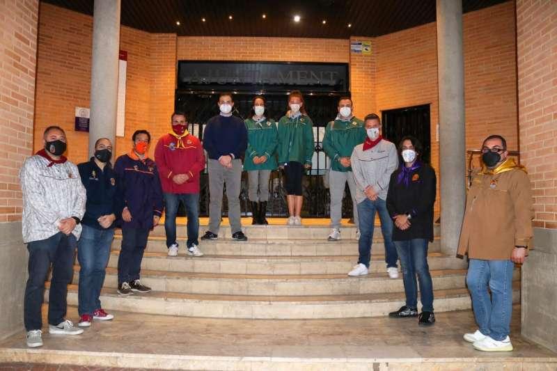 Representantes de la Junta Fallera y el concejal. EPDA