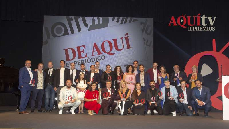 Foto familia de los II Premios Aquí TV. Fotos: Elvira Folguerá