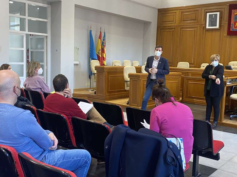 Reunión para abordar el tema de las ayudas en Burjassot. EPDA