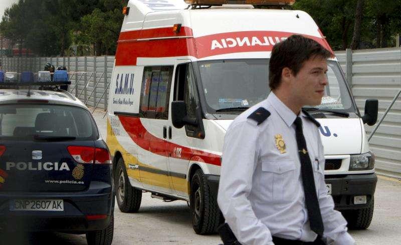 Imagen de archivo de una ambulancia. EFE/Archivo