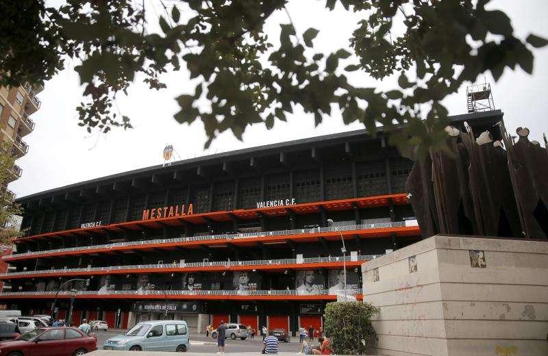 Vista general de la fachada del estadio de Mestalla. EFE/Archivo