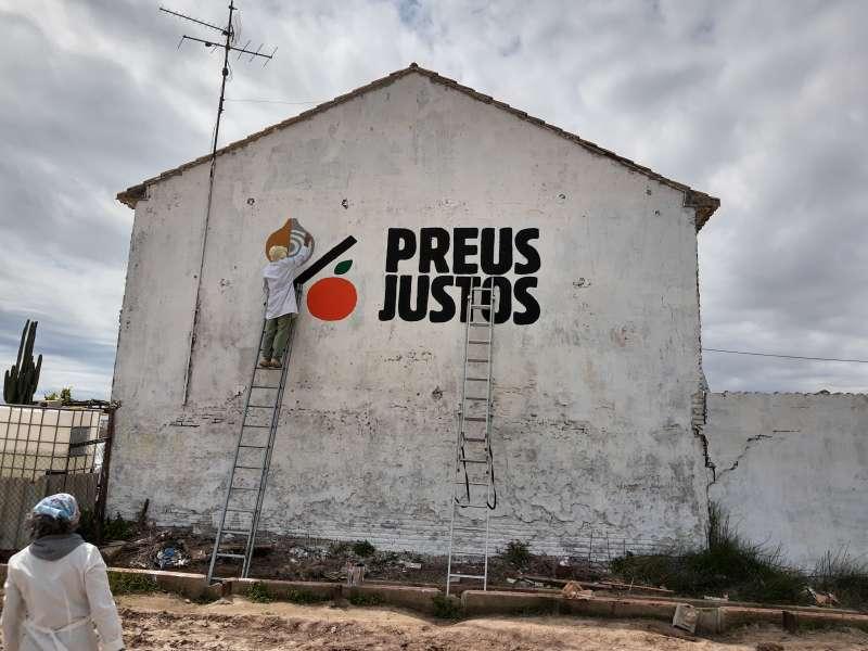 Mural en defensa dels preus. EPDA.