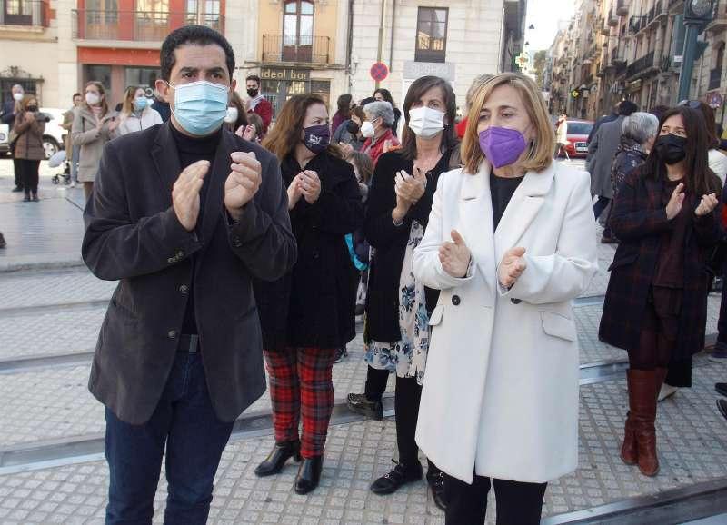 El portavoz socialista en la Diputación de Alicante y alcalde de Alcoy, Toni Francés (i), en una imagen de archivo. EFE