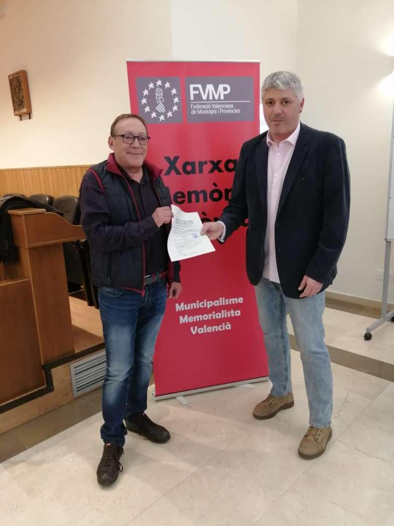 Entrega de la documentació al Director de Coordinació de la FVMP. EPDA