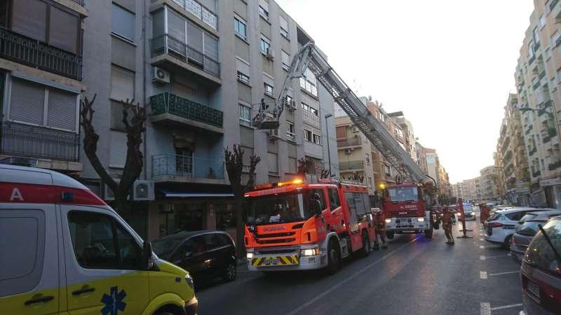 Hasta el lugar se han trasladado distintas unidades de bomberos