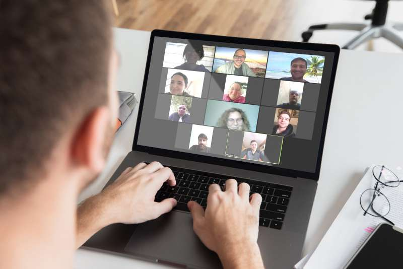 Videoconferencia online con uno de os usuarios. / EPDA