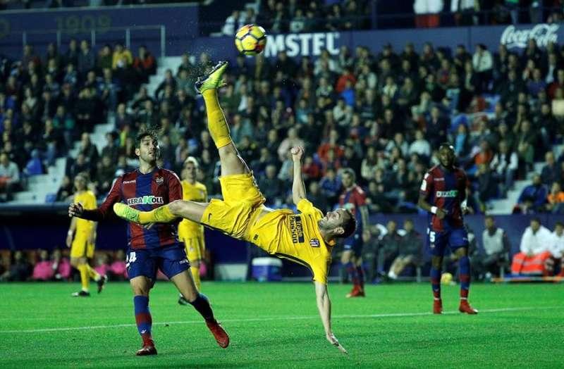 Imagen de un partido entre el Levante y el Atlético de Madrid en el Ciutat de València EFE/Manuel Bruque.