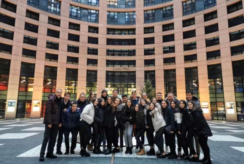 Alumnos del IES Rio Turia de Quart de Poblet participan en la jornada Euroscola en Estrasburgo. - EPDA
