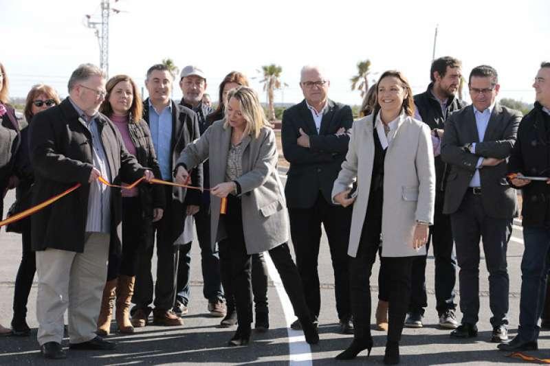 Momento de la inauguración del puente en Puçol. EPDA