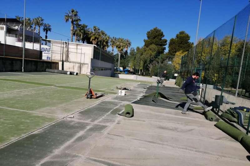 Obras que ya han comenzado en el polideportivo. / EPDA