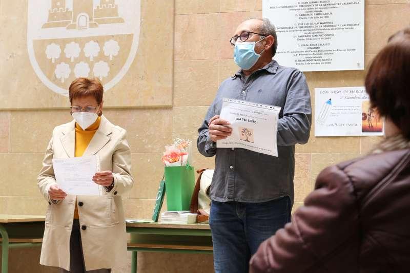 La concejala de Educación, Mª Ángeles Llorente y el director del CFPA, Ángel García