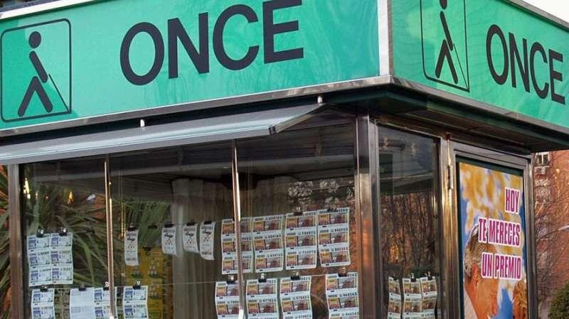 Un puesto de venta de la ONCE. / epda