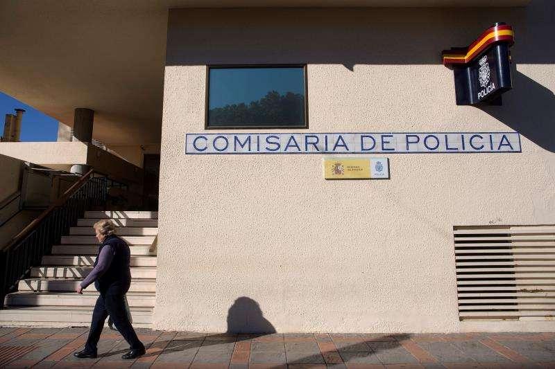 Vista del exterior de una comisaría de la Policía Nacional. EFE/Archivo