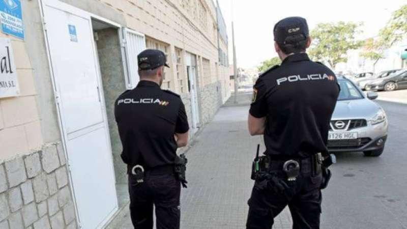 Miembros de la Policía Nacional de València./epda