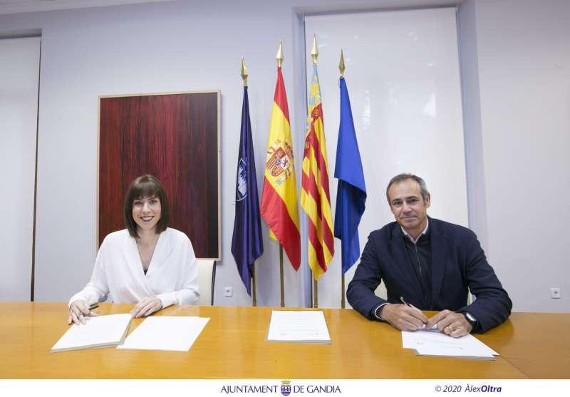 Alcaldesa, Diana Morant y el CEO de Global Omnium, Dionisio Garcia Comin
