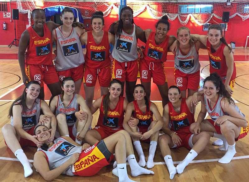 Jugadoras del Valencia Basket con la Selección Española. EPDA