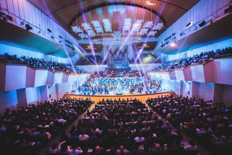 Actuación de la  Film Symphony Orchestra