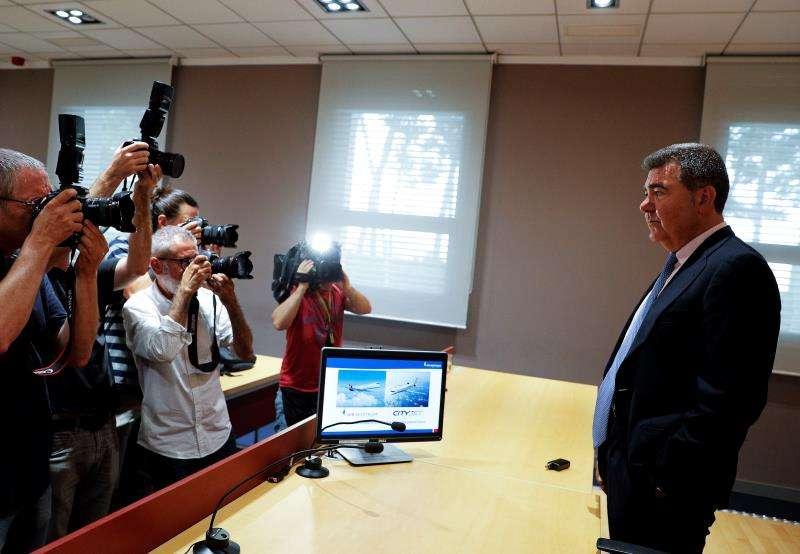 El presidente de Air Nostrum, Carlos Bertomeu, posa para los medios gráficos. EFE/Archivo