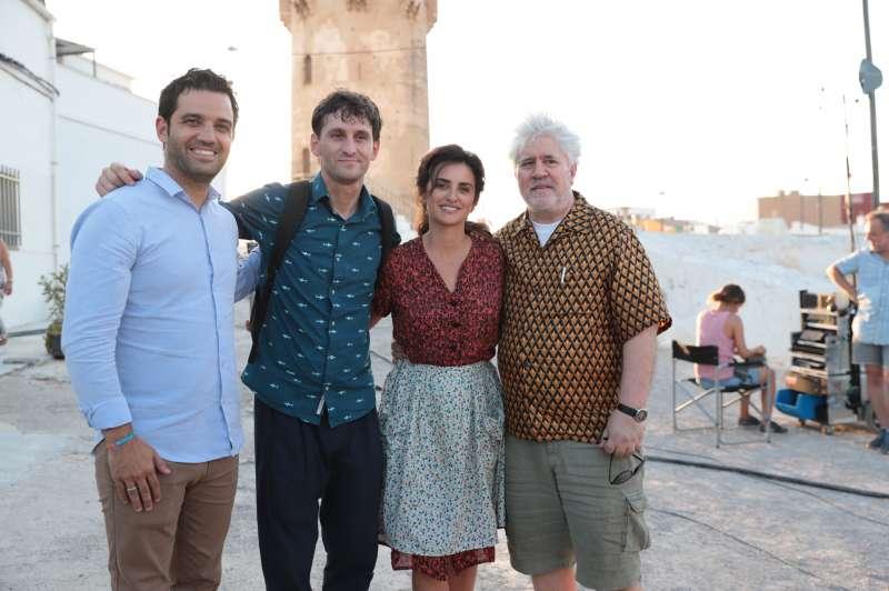 Sagredo, con los protagonistas de la película. EPDA