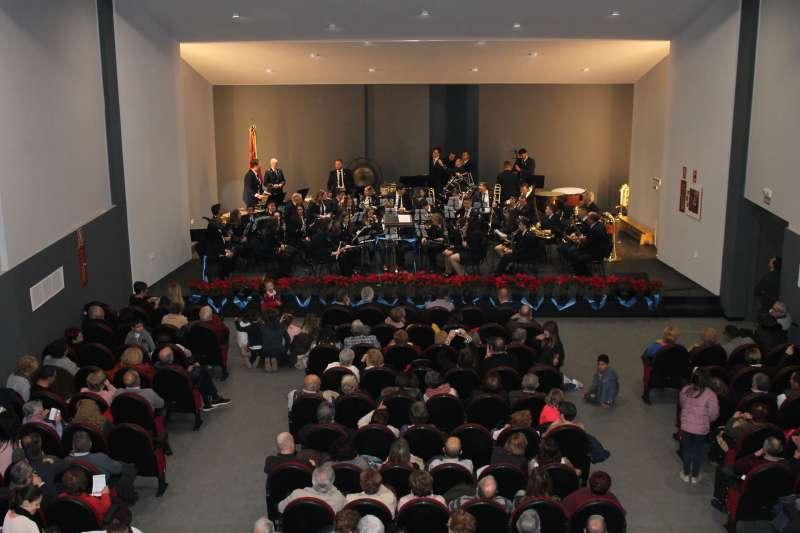 Multitudinaria inauguración en el auditorio de Algímia d