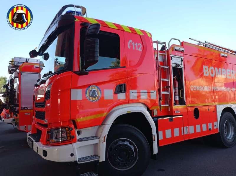 Camión de los bomberos en una rutina de trabajo diario. EPDA