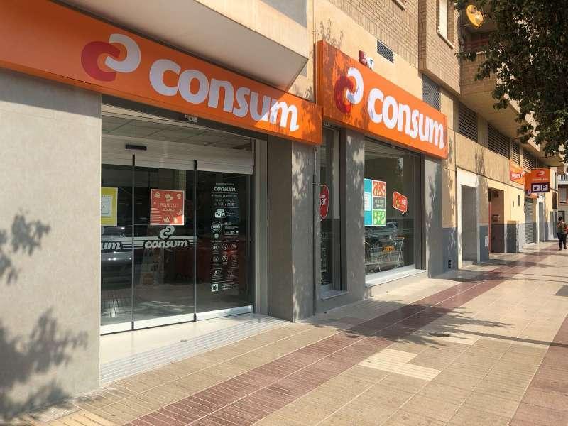 Fachada de un supermercado de Consum en Alicante