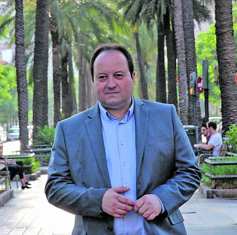 El presidente del Consejo de Comercio y Economía local de Alfafar. / epda