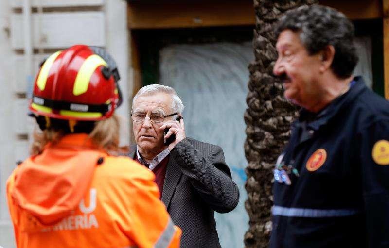 El alcalde de València, Joan Ribó, en el lugar del siniestro. EFE