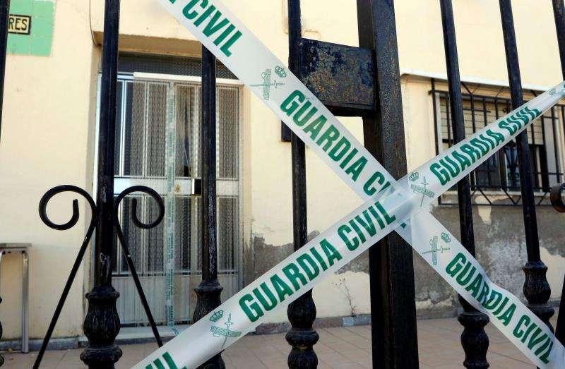 Vivienda precintada por la Guardia Civil tras un crimen. EFE/Archivo