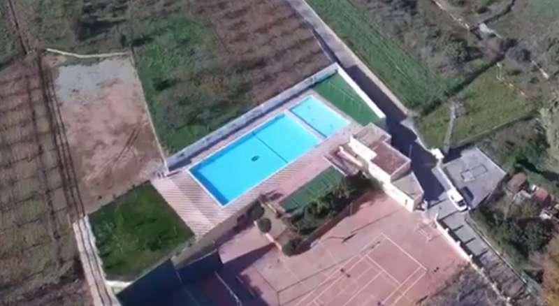 Vista aérea de la piscina demodelada