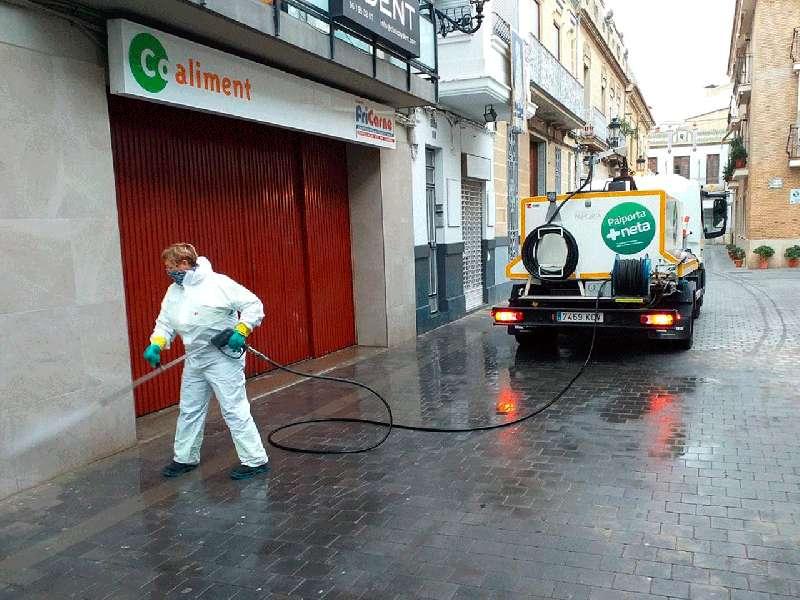 Desinfecció de carrers a Paiporta