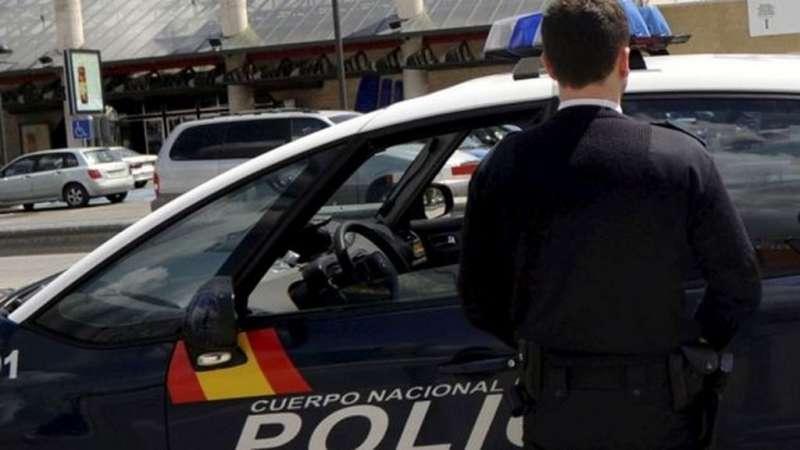 Una imagen de un miembro de la Policía Nacional./epda