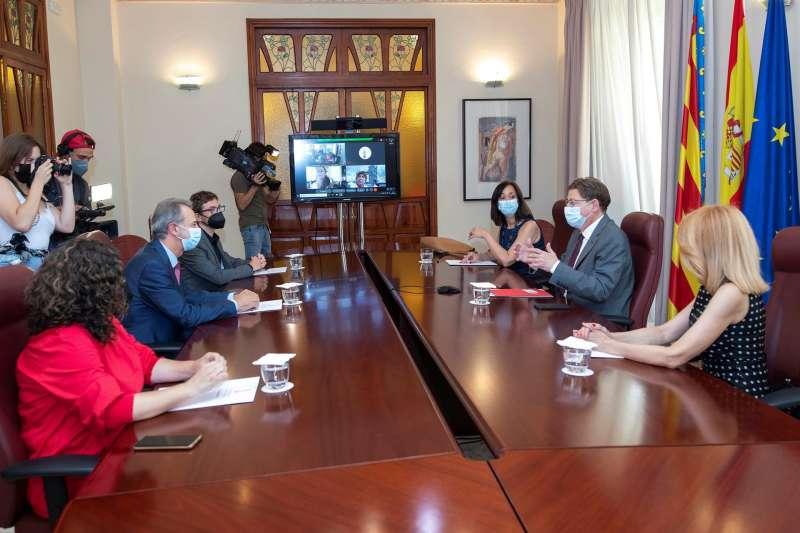 El presidente del consejo José María Vidal jura el cargo ante el president Puig.