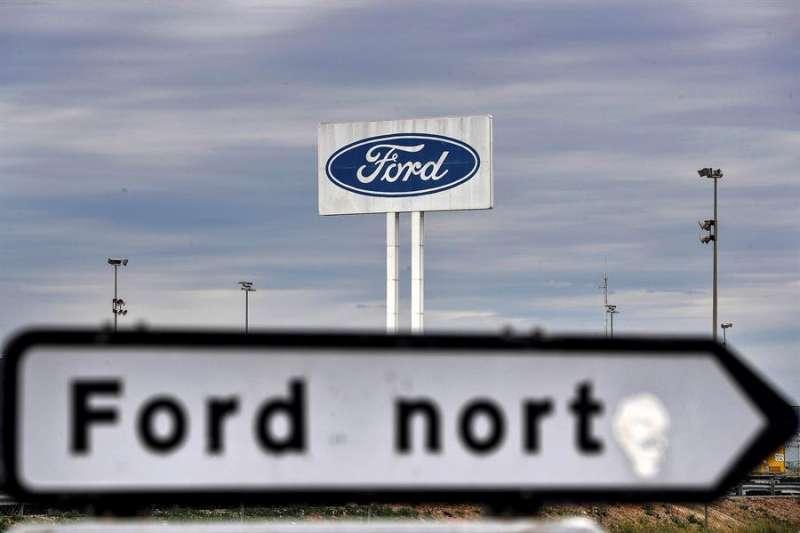Imagen de la entrada a la planta de Ford en Almussafes (Valencia). EFE