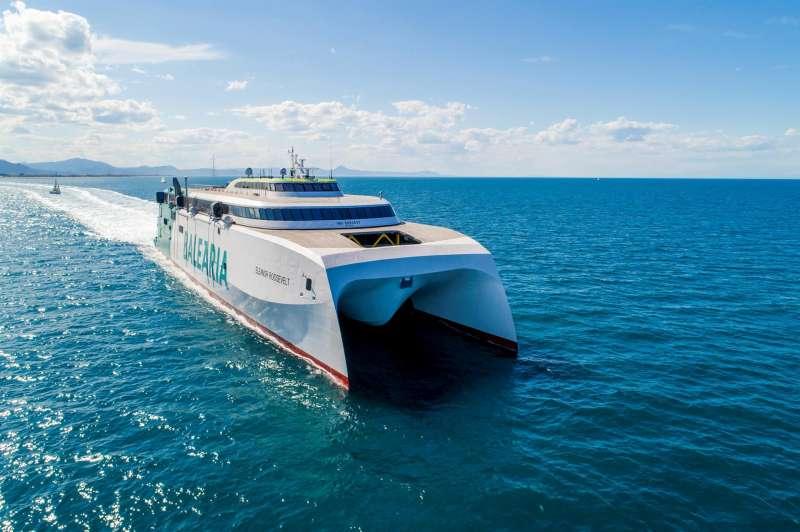 Una embarcación de Baleària, en una imagen corporativa