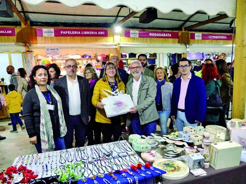 El alcalde y otros miembros de la corporación en la edición anterior de Firalboraia. / epda