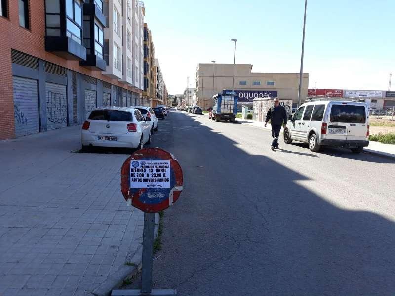 Señalización de prohibido aparcar durante la celebración del evento en Moncada. EPDA