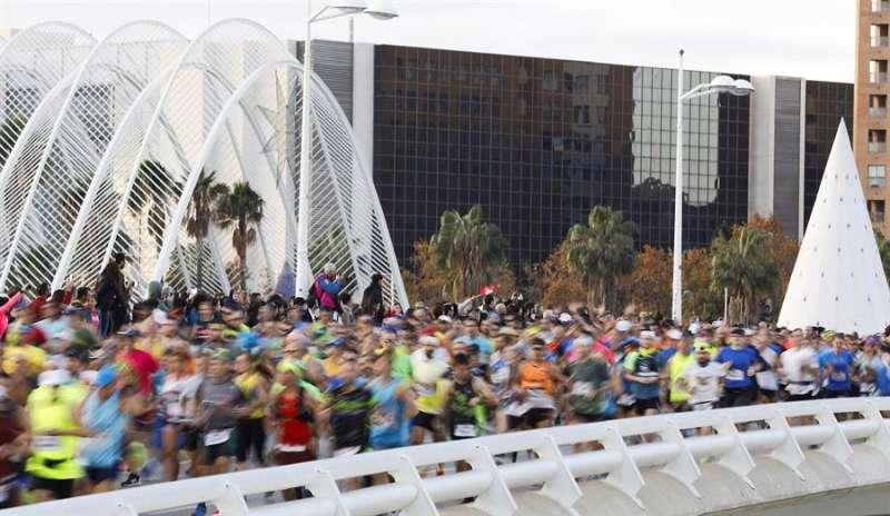 Salida de los 25.000 corredores de la edición número 39 del Maratón Valencia Trinidad Alfonso. EFE/Archivo