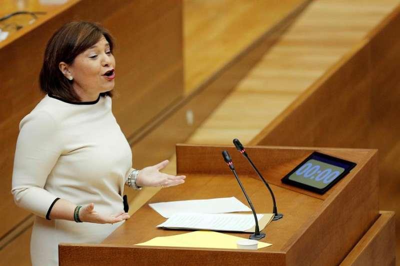 Isabel Bonig, durante el pleno de Les Corts. EFE/Kai Försterling