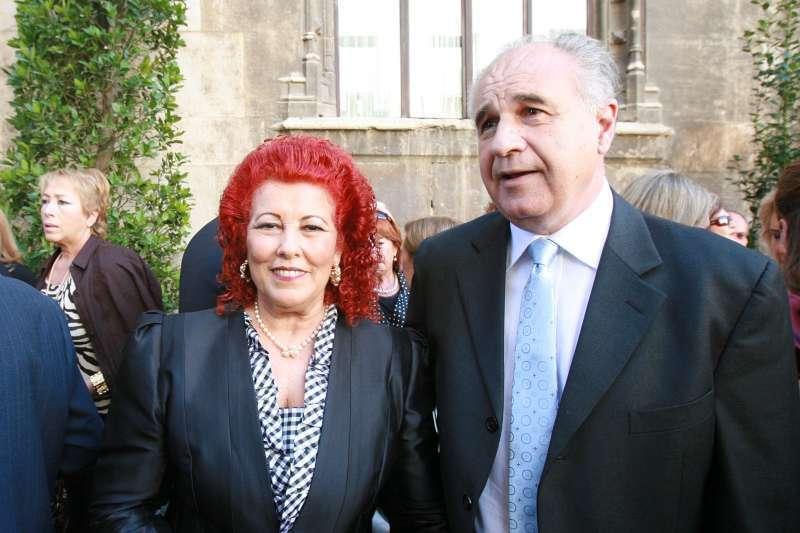 Rafa Blasco con su mujer Consuelo Císcar. EPDA
