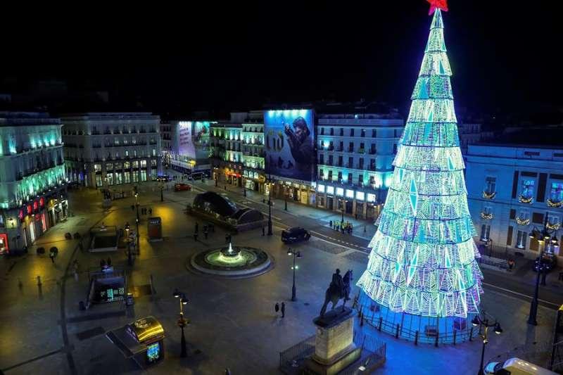 Imagen de la Puerta del Sol de Madrid. EFE/Emilio Naranjo.