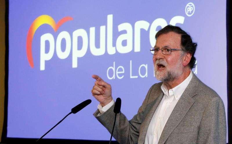 El expresidente del Gobierno, Mariano Rajoy, durante su intervención en una comida-mitin del PP en La Nucía. EFE/Manuel Lorenzo