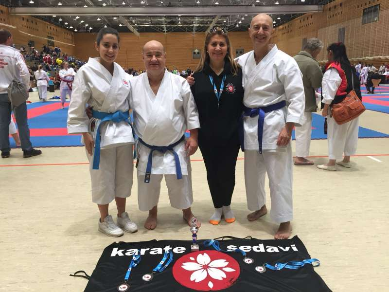 Carlos Moltó, de Sedaví,va aconseguir un or i una plata a l?Open de Berlin de Karate. EPDA