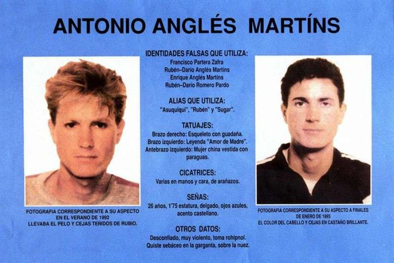 Cartel con fotografías de Antonio Anglés distribuido en su momento por la Guardia Civil. EFE/Cárdenas/Archivo