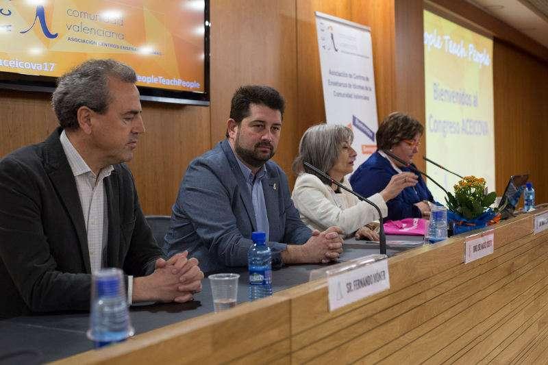 El III Congreso anual de la Asociación de Centros de Enseñanza de Idiomas de la Comunidad Valenciana . EPDA